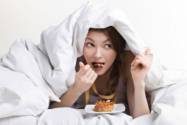 5 thói quen ăn uống có hại cho răng