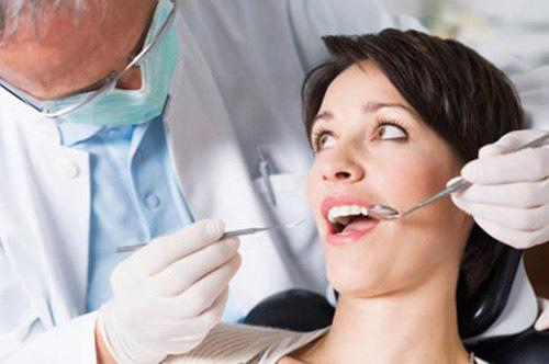 Chảy máu chân răng khi mang thai có nguy hiểm không? 2
