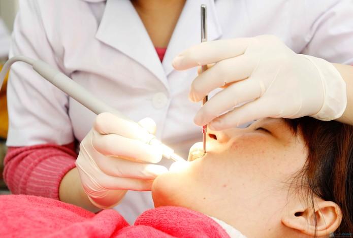 Nhổ răng khôn xong bị sốt - Nguyên nhân và giải pháp khắc phục 3