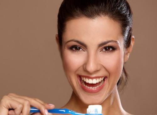 Sưng nướu răng là do đâu? Cách nào chữa trị an toàn? 3