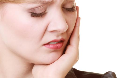 Chữa sâu răng hiệu quả bằng nguyên liệu tự nhiên