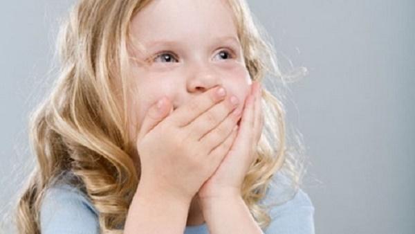 Bí quyết trị tận gốc chứng hôi miệng của trẻ