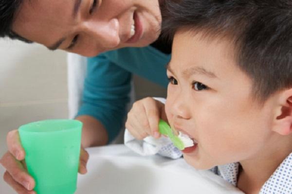 Bí quyết chăm sóc răng hàm cho trẻ em