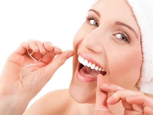 Hướng dẫn cách chăm sóc răng sứ thẩm mỹ