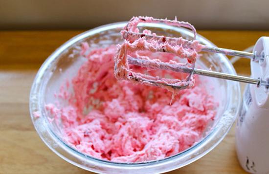 Tẩy trắng răng bằng dâu tây